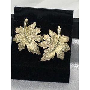 13100 Emmons Earrings Clip On Gold Tone Leaves